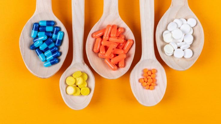 Vitamíny, ktoré užívať pri závratoch. Pomáhajú aj pri arytmii a návaloch tepla