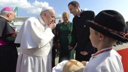 Heger verí, že pápež zanechá na Slovensku pokoj. Dúfa, že ho prinesie i do politiky