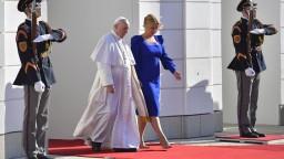 Čaputová privítala pápeža v Prezidentskom paláci, na rozhovor dostala viac času