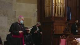 Bratislavský arcibiskup S. Zvolenský privítal v Dóme svätého Martina pápeža Františka