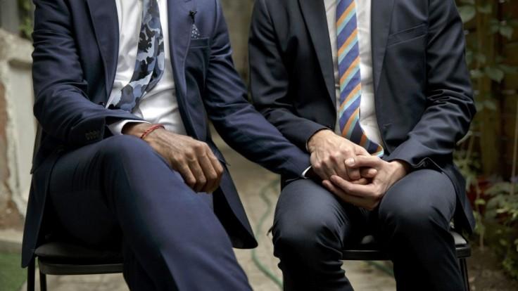 Homosexuálne manželstvá by mali uznávať všetky krajiny EÚ, vyzýva europarlament