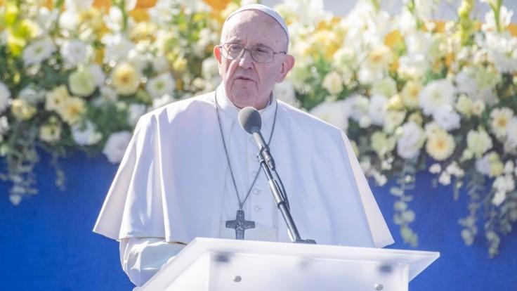 Kiska, Radičová aj Krónerová. Príhovor pápeža Františka si prišli vypočuť známi ľudia