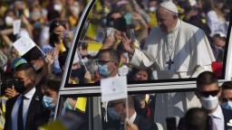 Pápež všetkých prekvapil. Neplánovane zastavil pri kuchyni, aby pozdravil ľudí