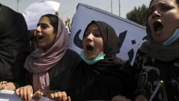 Tisíce ľudí protestovali v Kandaháre proti Talibanu. Dôvodom bol príkaz na vysťahovanie