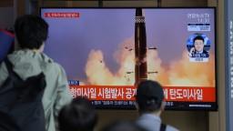 Severná Kórea odpálila do Japonského mora dve balistické strely