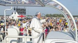 Na svätú omšu s pápežom prišlo do Šaštína vyše 50-tisíc ľudí