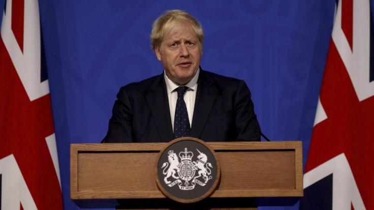 Britský premiér uskutoční rekonštrukciu vlády. Viacerí ministri čelia kritike