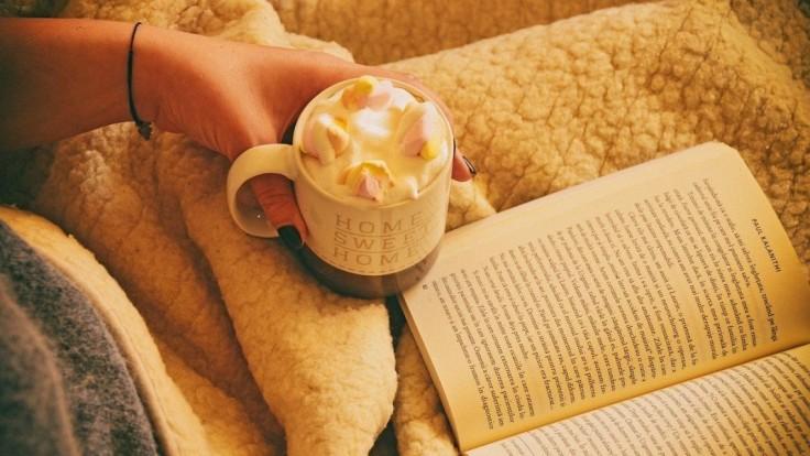 Horúce mlieko či čokoláda pred spaním: Naozaj to funguje, aby ste ľahšie zaspali?
