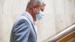 Lengvarský zverejnil mrazivú predikciu, pribúdať môže až 3000 infikovaných denne