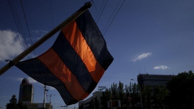 Voličov z východu Ukrajiny budú na ruské voľby zvážať vlakmi a autobusmi