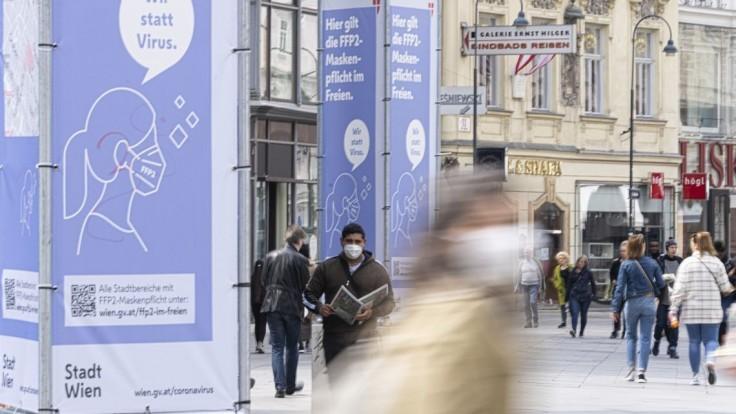 V Rakúsku rýchlo pribúdajú nakazení. Hrozí, že začnú ľudí deliť podľa očkovania