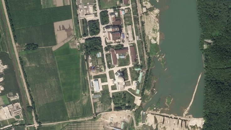 KĽDR buduje zariadenie na výrobu uránu, potvrdzujú to satelitné snímky