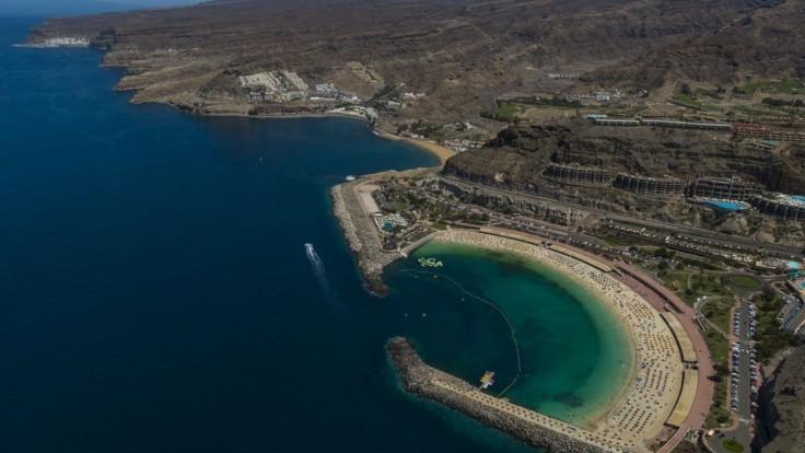 Okolo ostrova zaznamenali roj zemetrasení. Úrady sú v pohotovosti, môže hroziť výbuch