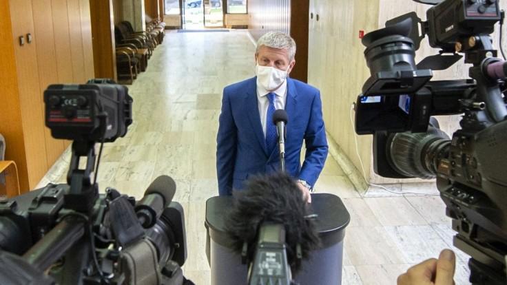 Lengvarský sa bude zaoberať petíciami o nemocniciach. Na diskusiu je ešte čas