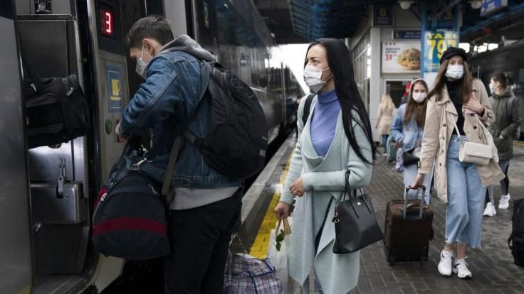 Náš sused je podľa odborníkov na pokraji najsmrtiacejšej vlny pandémie