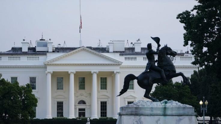 Biely dom vyjadril poľutovanie nad povolaním francúzskeho veľvyslanca