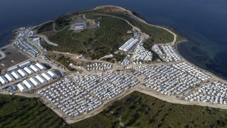 Grécko uvádza do prevádzky prvý uzavretý tábor pre imigrantov