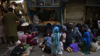V Afganistane došlo v sobotu k trom výbuchom. Cieľom boli vozidlá patriace Talibanu
