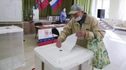 Vo voľbách do Štátnej dumy hlasujú aj na Kryme. Ukrajina uvalila sankcie