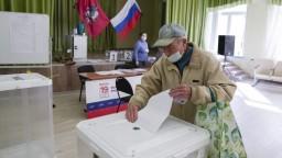 Voľby v Rusku sprevádzajú problémy, za hlasy pre vládnu stranu ponúkajú 13 eur