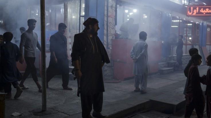 K bombovým útokom v Afganistane sa prihlásil Islamský štát, terčom bol Taliban