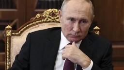 Moc má v rukách prezident, vládna strana ovláda aj Štátnu dumu. Ako funguje Putinov systém?