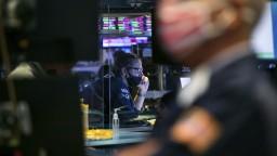 Európske aj ázijské akcie sa prepadli, nervozitu stupňuje hroziaci krach Evergrande