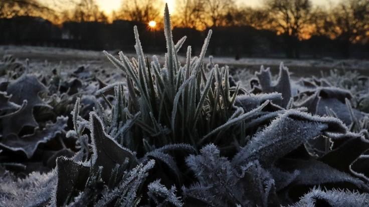 Platia výstrahy pred nízkymi teplotami a mrazom, teploty môžu klesnúť pod nulu