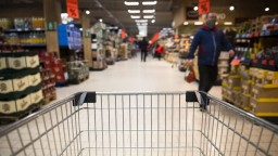 Potraviny rekordne dražejú, príčinou je slabá úroda aj pandémia