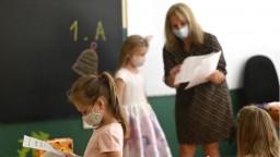 Očkovanie v školách nebude povinné, rezort chce k vakcinácii ľudí motivovať