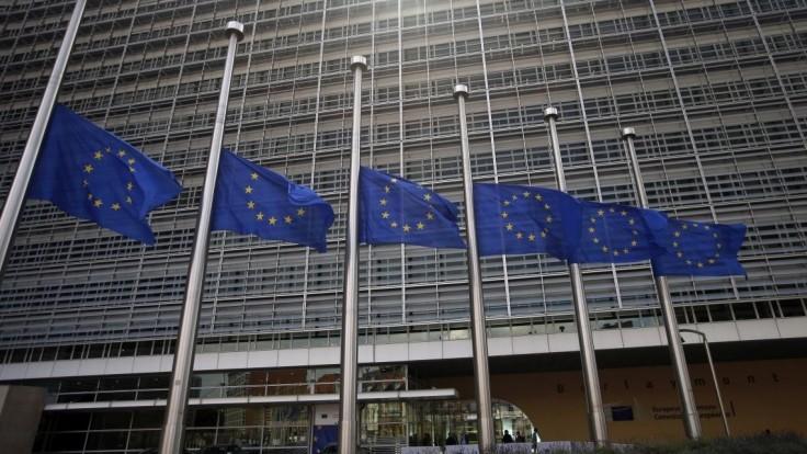 Eurokomisia podpísala dohodu o nákupe prvého prípravku na liečbu Covid-19