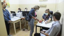 Nakazilo sa najviac ľudí od začiatku apríla. Vysoký je aj počet obetí koronavírusu