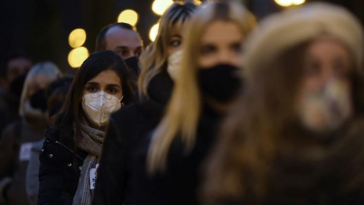 Dobré správy. Nakazených koronavírusom a obetí celosvetovo ubúda, hlási WHO