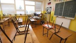 Vírus sa šíri medzi žiakmi aj v Košickom kraji. V karanténe sú triedy v takmer polovici stredných škôl