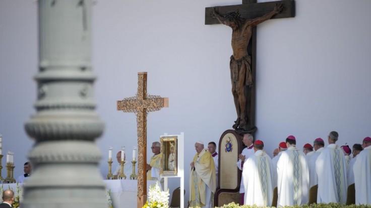 Na covid ochoreli dvaja rakúski biskupi, ktorí boli na omši s pápežom v Budapešti