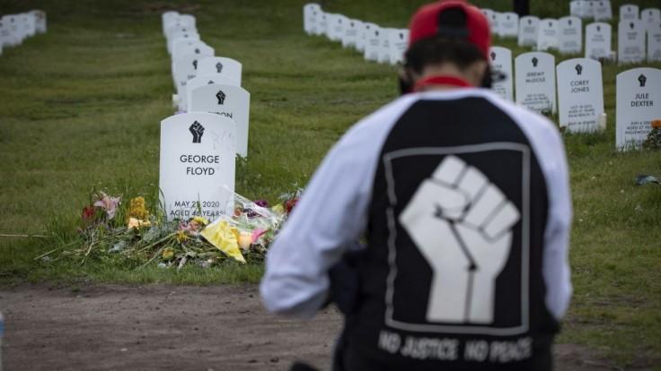 Chauvin sa odvolal voči rozsudku za vraždu Afroameričana Floyda. Záznamy mal už aj predtým