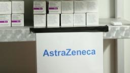 Taiwanu darujeme tisícky dávok AstraZenecy. S vakcínami poletia aj chirurgické obleky