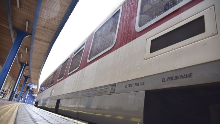 Pre nahlásenú bombu museli v Košiciach evakuovať železničnú stanicu i obchodné centrum