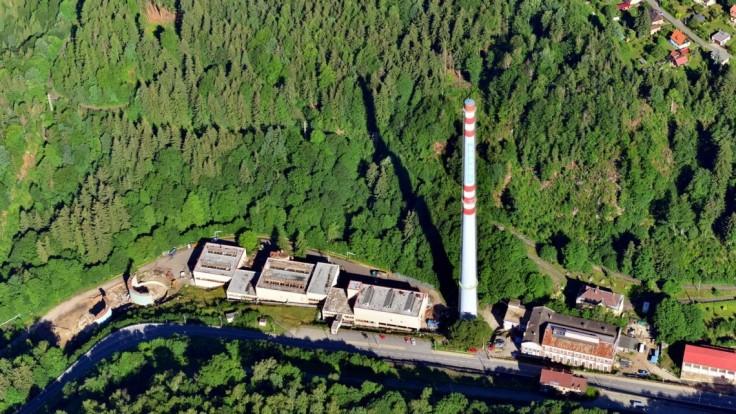 Jablonecká eiffelovka pôjde k zemi, vyše 160 metrov vysoký komín odstrelia