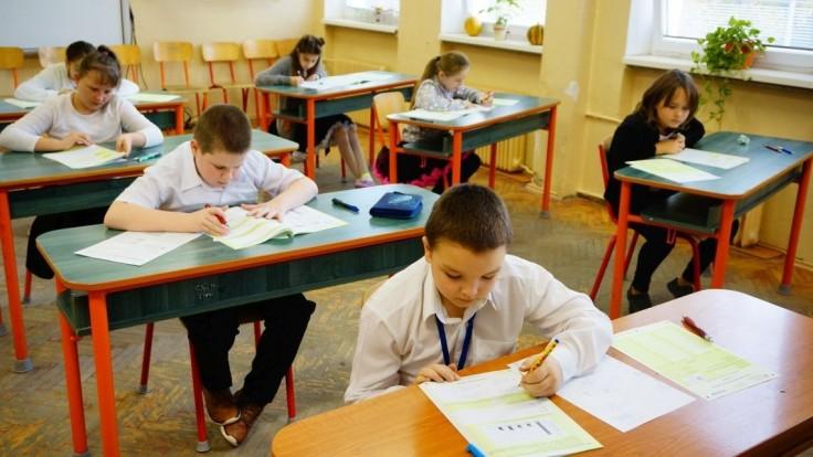 Ministerstvo školstva bude pokračovať v podpore doučovania žiakov už od októbra