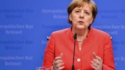 Je to o vašej budúcnosti a budúcnosti vašich detí, vyhlásila Merkelová deň pred voľbami