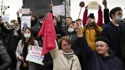 Niekoľko ruských miest sa zapojilo do protestov proti výsledkom volieb. Demonštrantov boli stovky