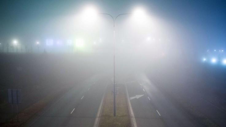 Meteorológovia upozorňujú na hmly. Výstraha platí pre celé územie Slovenska