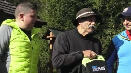 Záchranári darovali chate vo Vysokých Tatrách prenosný defibrilátor