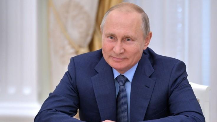 Putin: V Dume budú prvýkrát viac než štyri frakcie, svedčí to o rozvoji demokracie v našej krajine