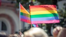 Švajčiari podľa odhadov odobrili manželstvá osôb rovnakého pohlavia