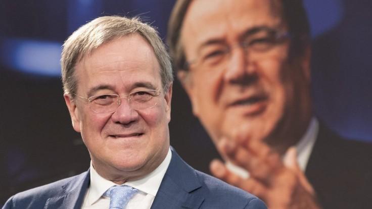 Analýza: CDU/CSU potopil slabý kandidát, sociálni demokrati ťažili zo svojho imidžu
