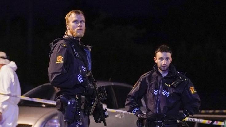 Nóri oslavovali zrušenie reštrikcií, polícia musela riešiť desiatky výtržností