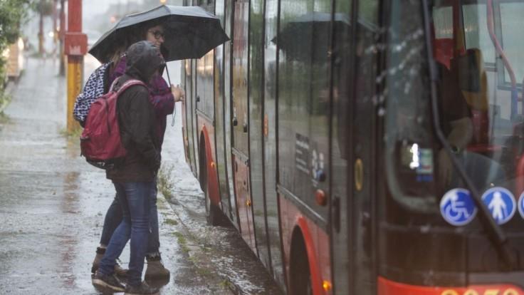 V okresoch západného Slovenska platia výstrahy pred povodňami