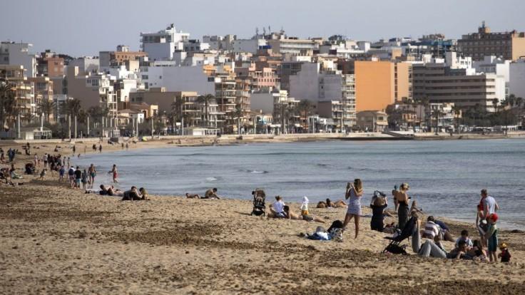 Baleárske ostrovy sa vracajú do normálu, otvoria diskotéky aj nočné kluby